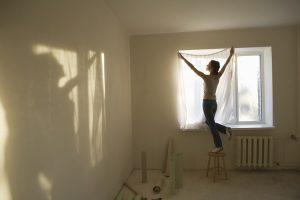 Firanki, zasłony i pokrywanie ścian materiałem